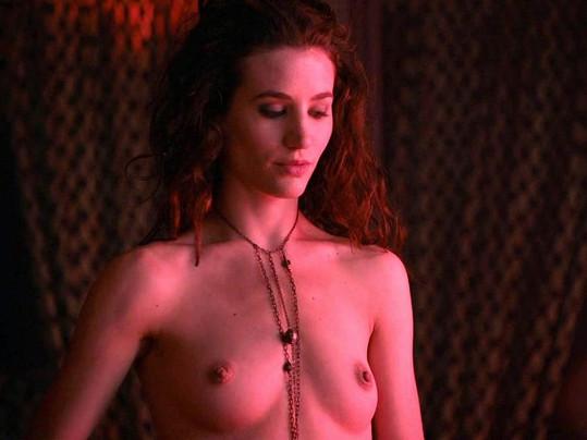 Britská herečka Lasowski v seriálu Hra o trůny.