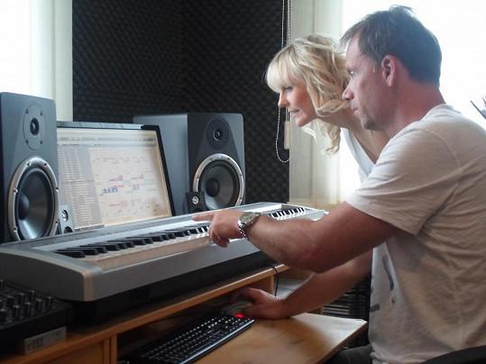 Petra se Zdeňkem Style Hrubým, který napsal píseň pro muzikál na ledě Symfonie ledu.