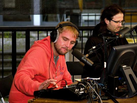 Celé rádio vysílalo netradičně z Brna, včetně Libora Boučka.