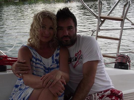 S přítelem Václavem Pleskou jí láska stále kvete.