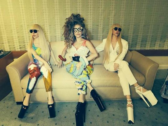 Lady Gaga se svými panenkami v životní velikosti