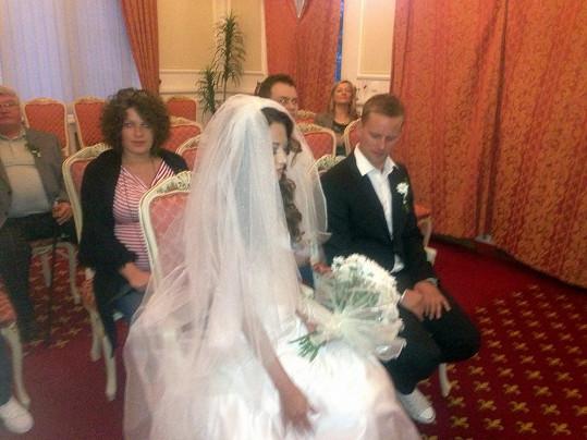 Svatba probíhala v úzkém kruhu, prakticky jen se svědky.