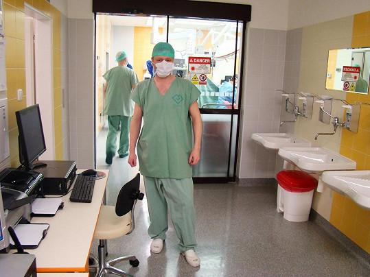Jarek Šimek byl před operací nesvůj.