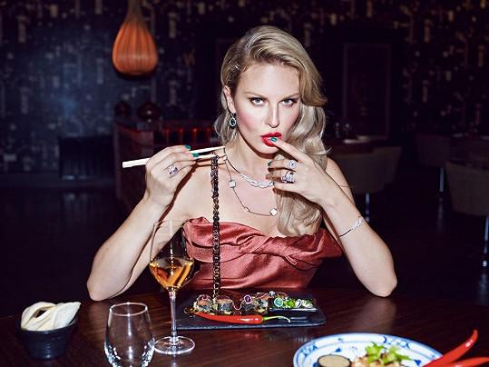 Simona Krainová byla při focení neuvěřitelně sexy.