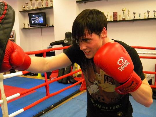 Dan se mezi thaiboxery asi opravdu našel. Na konci února proto zazpívá na slavnostním galavečeru vyznavačů thajského boxu, který proběhne v Ostravě.