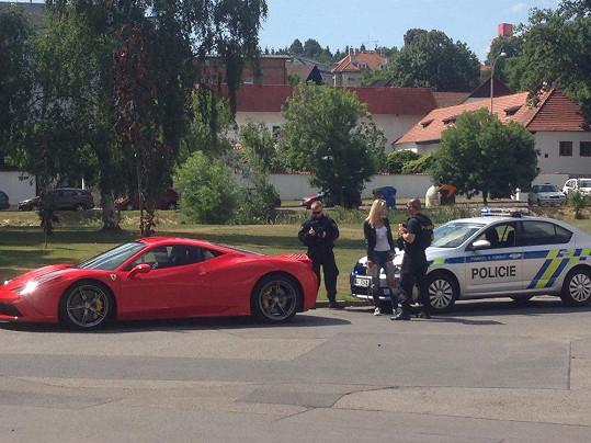 Tereza měla nejednou opletačky s policií kvůli rychlé jízdě.