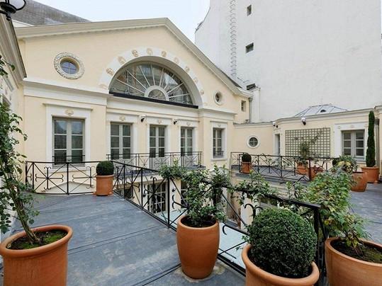 Hercův pařížský palác je teď na prodej.