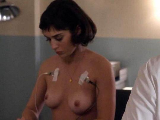 Expřítelkyně Chandlera z Přátel Lizzy Caplan si zahrála v seriálu Masters of Sex.
