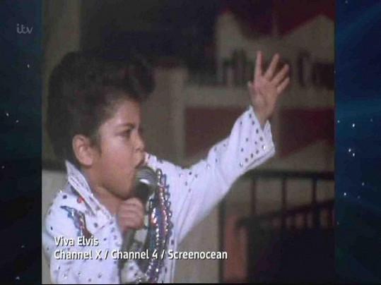 Bruno Mars jako čtyřletý v dokumentu Viva Elvis.