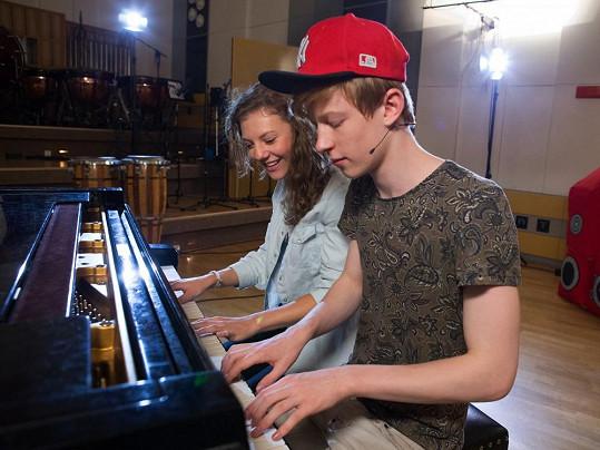 Lenny Filipová si s Adamem Mišíkem vyzkoušela duet.