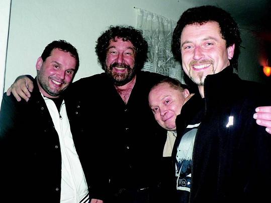 Pavel Sankot (druhý zprava) se Zdeňkem Troškou a kolegy.