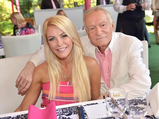 Nemovitost pořídil Hugh Hefner své manželce Crystal.