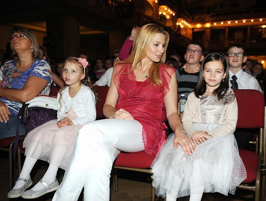 Ivana Gottová s dcerami Charlotte a Nellou