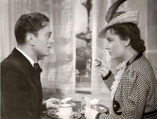Karel Höger a Lída Baarová ve filmu Za tichých nocí (1941)
