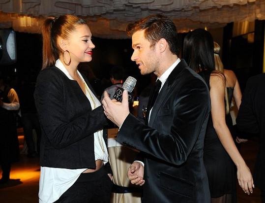 Leoš dělal rozhovor se svojí bývalkou Hanou Svobodovou.