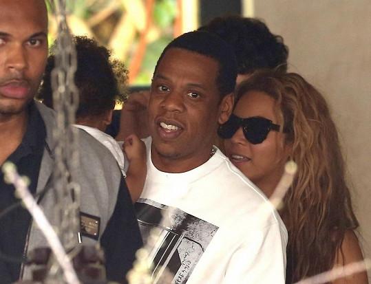 Beyoncé je momentálně ve Francii.