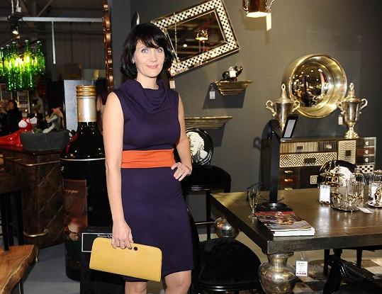 Ester svůj dům stále vybavuje, a tak na otevření prodejny s designovým nábytkem sbírala inspiraci.
