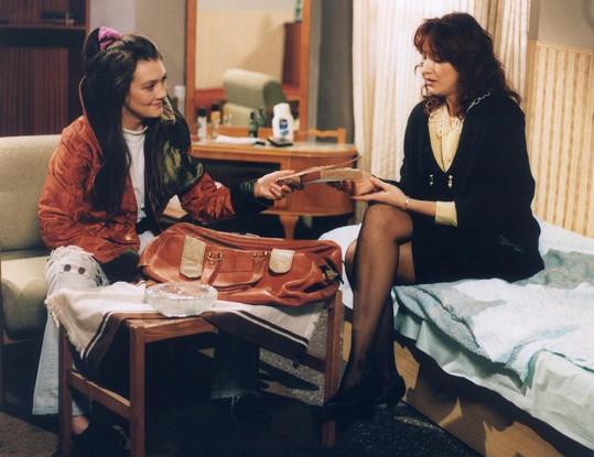 Na začátku devadesátých let jí popularitu přinesl seriál Hříchy pro pátera Knoxe.