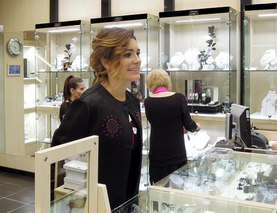 Pro prodavačky bylo obrovským překvapením, když se u jejich pultu objevila Alena Šeredová.