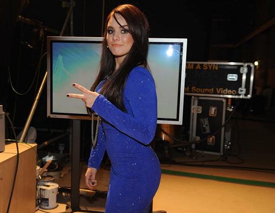 Ewa Farna tentokrát v modré