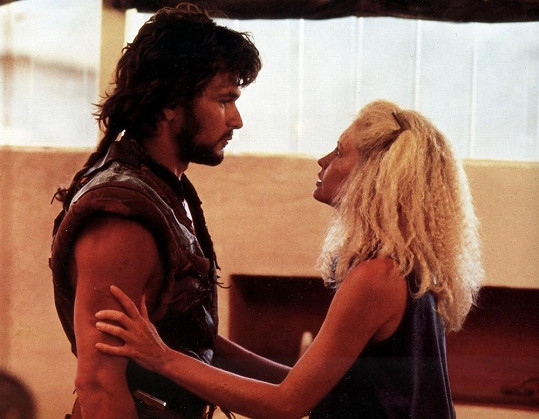 Lisa s Patrickem ve filmu Ocelový meč (1987)