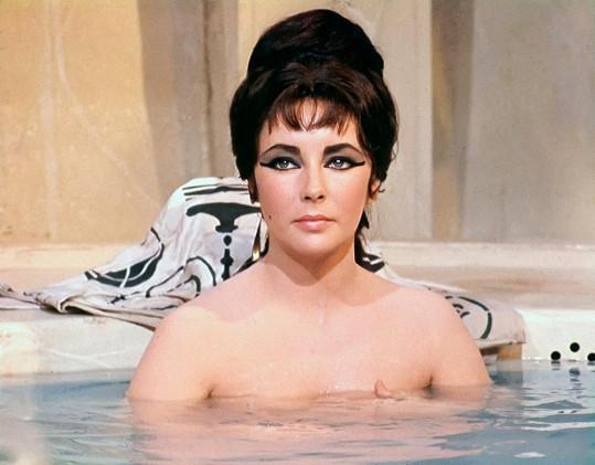 Liz Taylor byla jako Kleopatra nepřekonatelná.