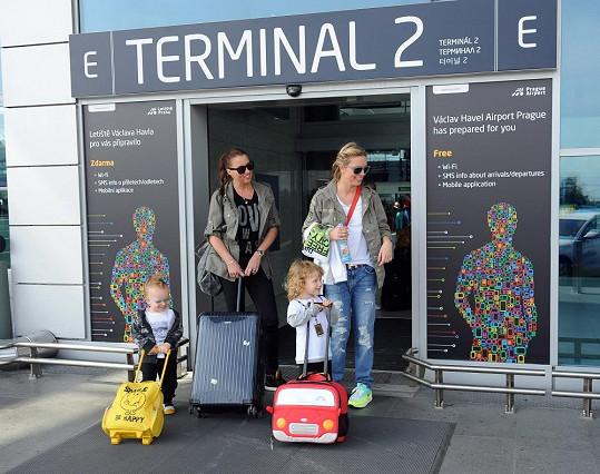 I ti nejmenší mají svá příruční zavazadla.