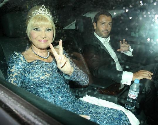Slavná Češka se ráda stylizuje i do role princezen či královen.