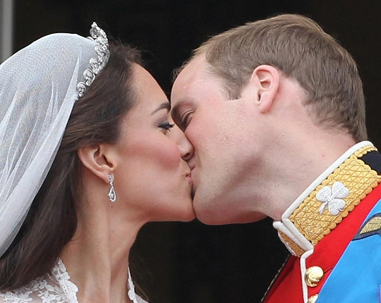 William a Catherine jako šťastní novomanželé.