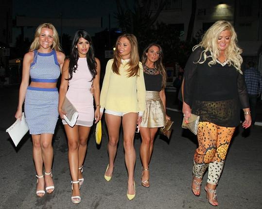 Statné blondýnky si mezi ostatními dívkami z pořadu The Only Way Is Essex všimnete.