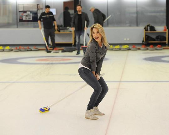 Kateřina Němcová na curlingovém turnaji hvězd Novy