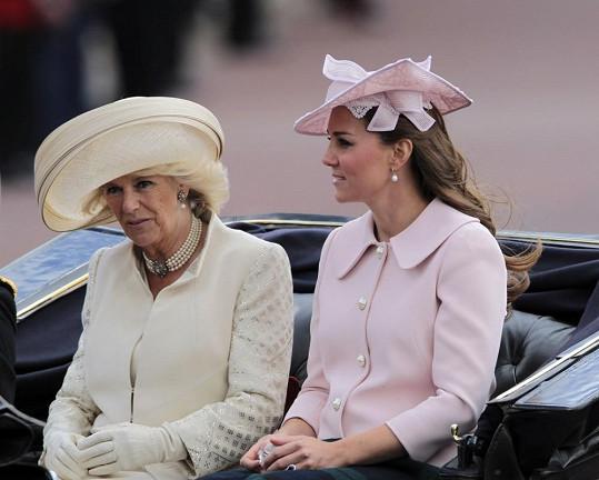 Vévodkyně Catherine s Camillou