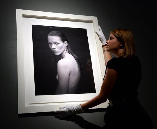 Součástí sbírky je i mladinká Kate Moss.