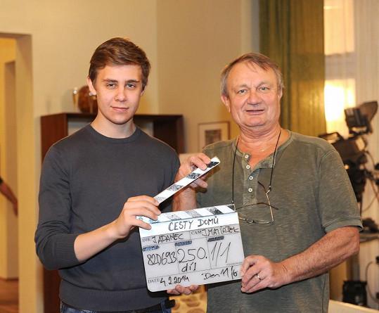 Režisér s Vincentem Navrátilem při klapce 250. dílu.