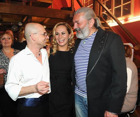 Na narozeninovém večírku s Monikou Absolonovou a Tomášem Traplem, který slavil padesátiny.