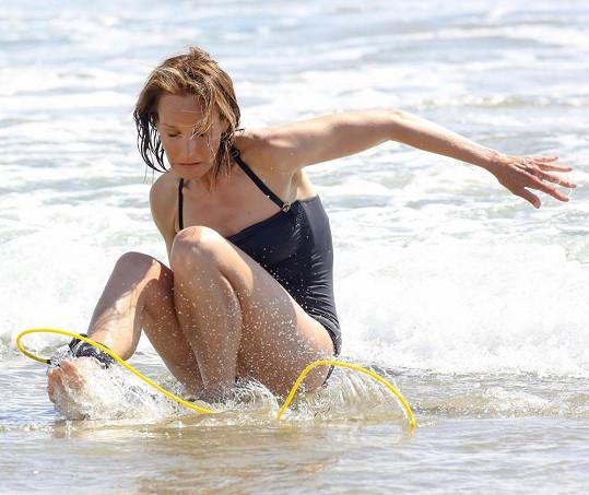 Ovládat surfování je běh na dlouhou trať a Helen Hunt to moc dobře ví.
