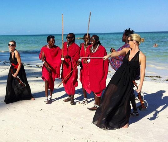 Femme2Fatale se staly na Zanzibaru hvězdami.