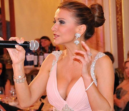 Fantasticky Blanarovičová vypadala i na koncertu své nadace La Sophia.