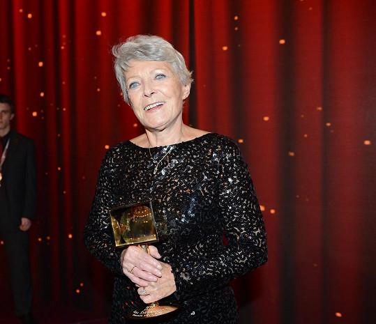 Jana Štěpánková nevnímá cenu jako tečku za svou prací. Ani na prahu osmdesátky se s prací neloučí.