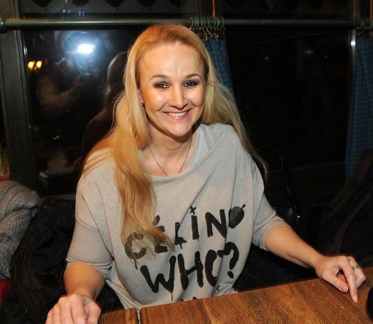 Linda Finková je stále ještě manželkou Richarda Genzera.