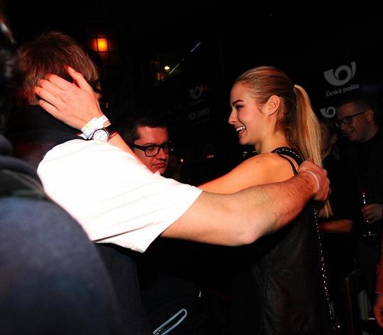 Tomáš Topolánek má opravdu krásnou přítelkyni.