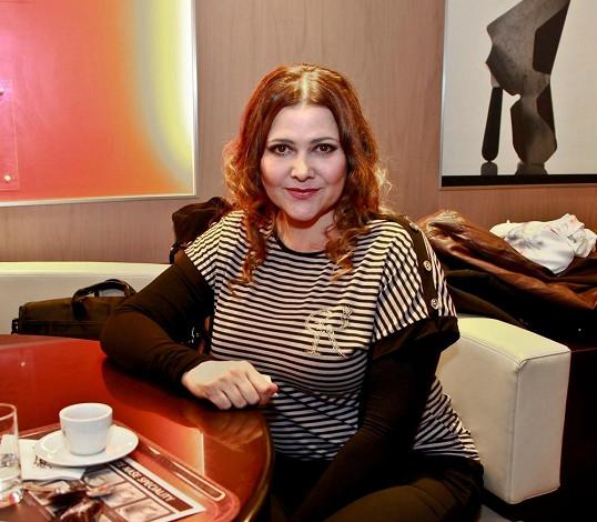 Ilona Csáková se chce pozvolna vrátit do vln šoubyznysu.