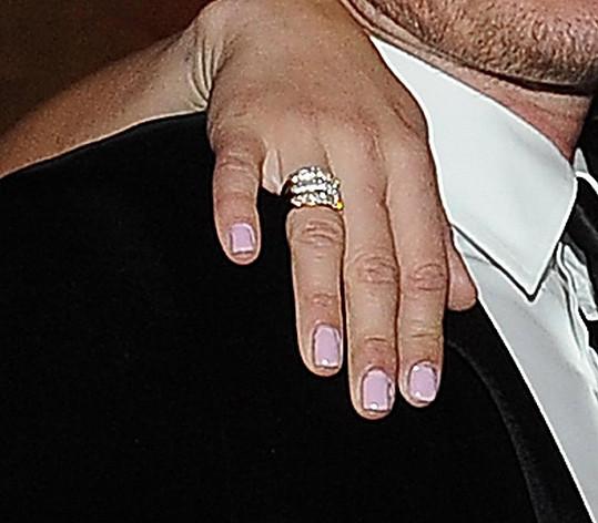 Petra se chlubila novým prstýnkem. Že by dárek za návrat od Leoše?
