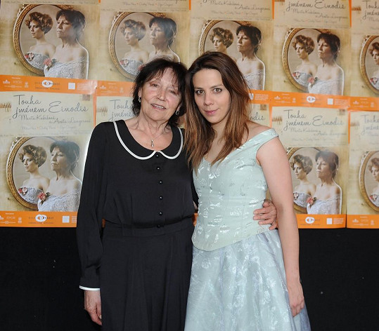 V muzikálu Touha jménem Einodis se Aneta představí spolu s Martou Kubišovou.