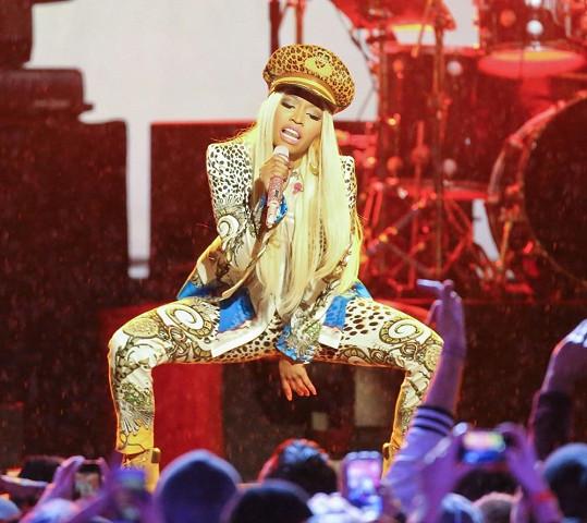 Nicki Minaj během koncertu v Hollywoodu.