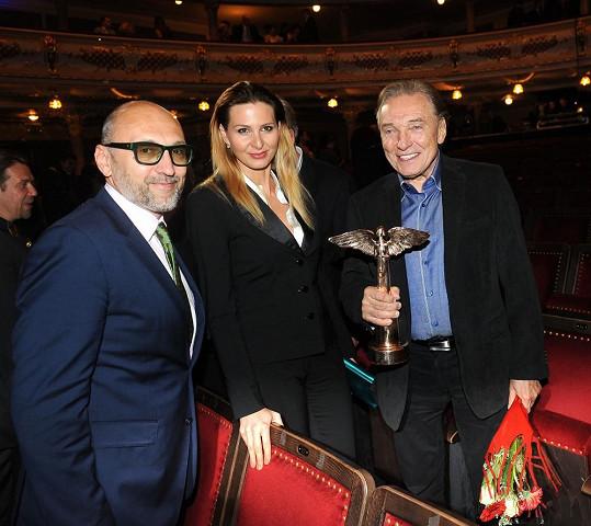 Lešek na Cenách Anděl s Karlem Gottem a jeho ženou Ivanou