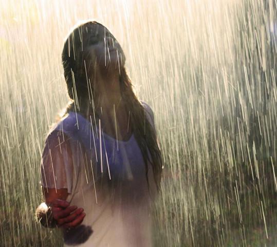 Natáčela i v dešti, který obstarávaly cisterny plné vody.