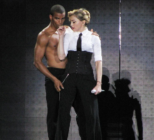 Madonna a Brahim Zaibat. Rozdíl 30 let.