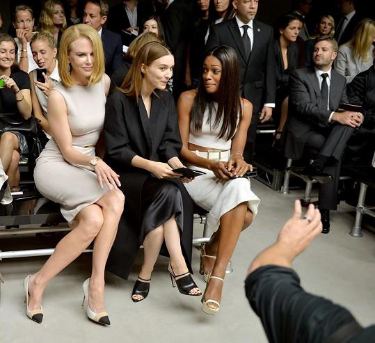 Herečka na přehlídce Calvina Kleina ještě netušila, co se jí za pár hodin přihodí.
