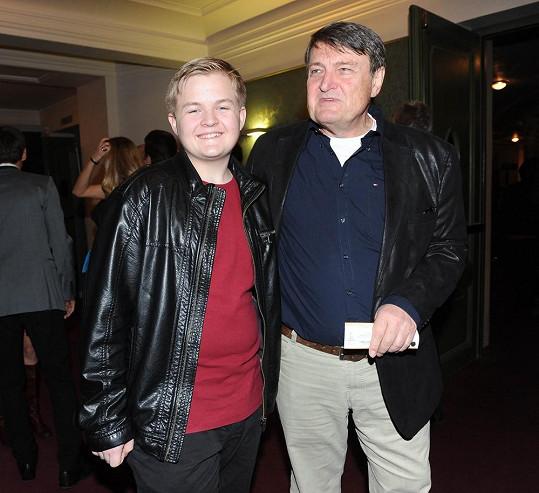 Ladislav Štaidl se synem Arturem na premiéře muzikálu Lucie
